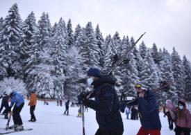 Sărbători de Paşte pe pârtie: sezonul de schi a fost prelungit