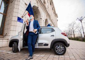 Ministrul Mediului a testat Dacia Spring, noul model 100% electric: Sper să scoatem astfel poluarea din oraşe (Foto)