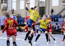 România este aproape calificată la Campionatul Mondial de handbal feminin, după o victorie liniștitoare în prima manșă a barajului cu Macedonia de Nord