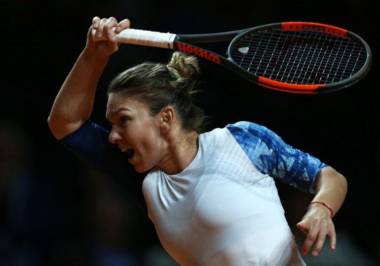 Simona Halep a plecat către Stuttgart, dar încă nu știe dacă va putea evolua în turneu. Ce mesaj are pentru echipa de Fed Cup
