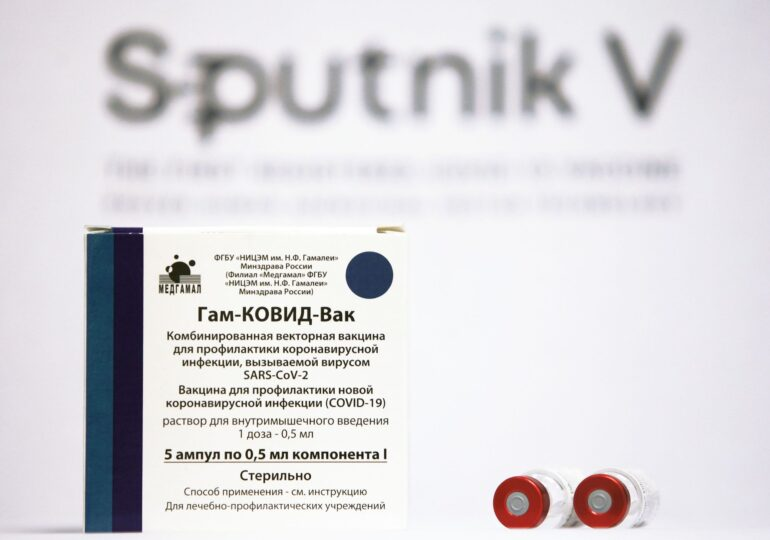 Sputnik V, un efect al crizei de vaccin. Nici Putin n-are suficiente doze. În Rusia, vaccinarea merge mai rău ca-n UE