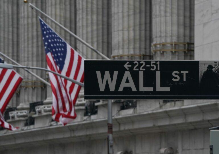 Indicii bursieri de pe Wall Street au închis la niveluri record. Optimism privind o revenire puternică a economiei americane