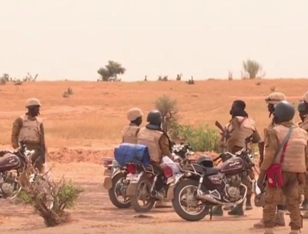 Trei jurnalişti europeni au fost uciși de terorişti în Burkina Faso