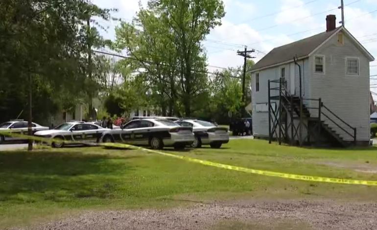 Încă un american de culoare a fost împuşcat mortal de poliţie. Avea 10 copii