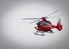 Joacă încheiată tragic: Un copil a căzut de la 10 m înălțime și a fost dus cu elicopterul SMURD la spital