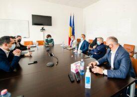 Miniștrii Năsui și Voiculescu au discutat cu reprezentanții HoReCa despre planificarea deschiderii mediului de business și condițiile de cazare