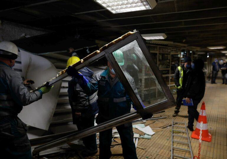 Sindicalistul Rădoi îl amenință pe primarul Mihaiu că va răspunde în fața legii, după ce a început să demoleze magazinele de la metrou