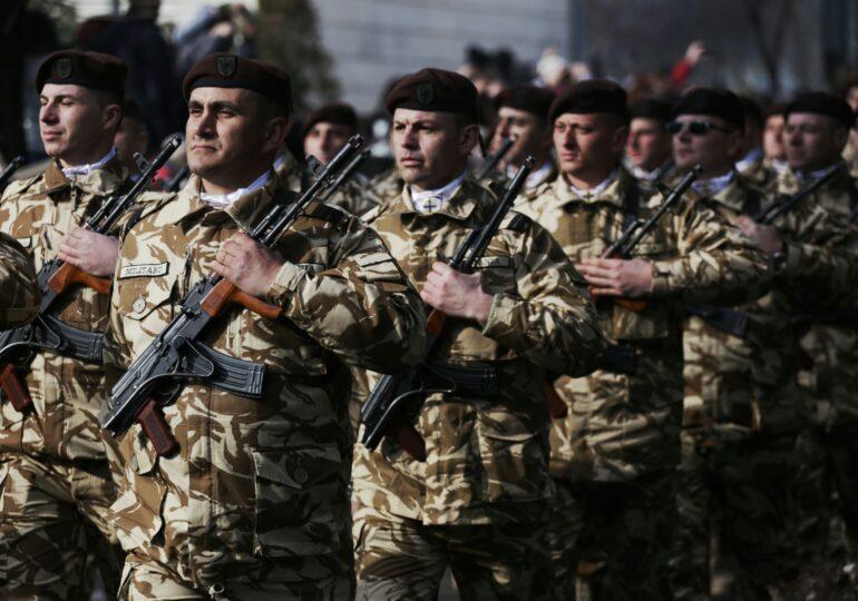 Soldații români se întorc din Afganistan. NATO își retrage trupele în acelaşi timp cu americanii