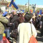 Noi proteste anti-restricții în București. S-a mers și la Cotroceni. Unii au venit cu autocarele din alte orașe