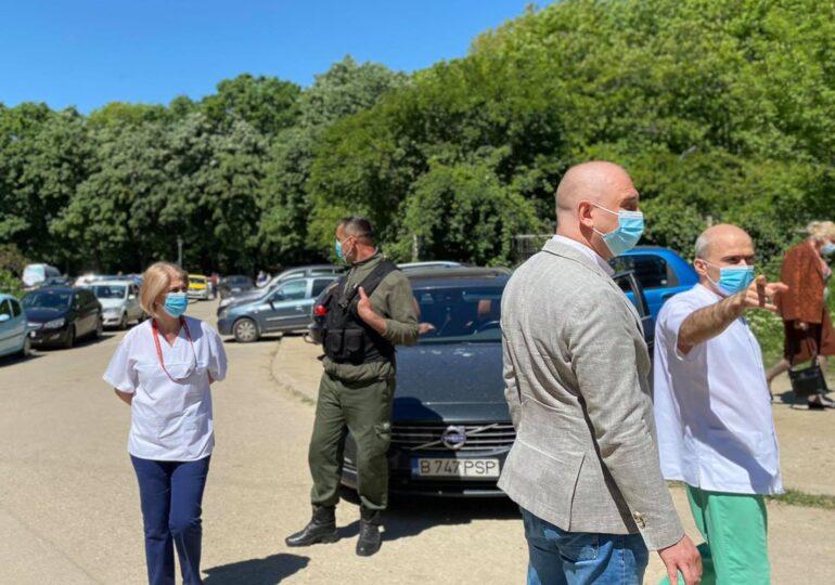 Primarul Sectorului 2 caută voluntari pentru a face curățenie în curtea Institutului Oncologic