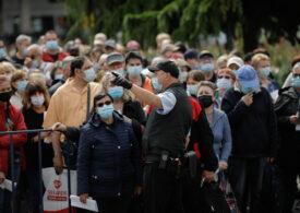 S-a dat startul la a doua ediție a Maratonului Vaccinării Bucureşti: Sute de oameni sunt deja la coadă (Foto)