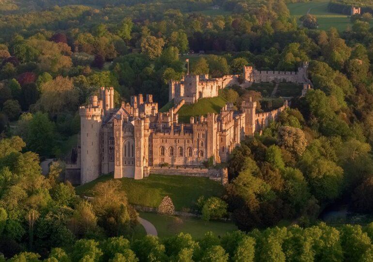 Hoții au spart Castelul Arundel și au reușit să fure comori de peste un milion de lire sterline