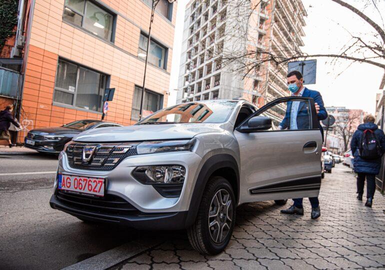 """Ce maşini """"verzi"""" se cumpără în România. Cota lor de piaţă s-a dublat faţă de 2020"""