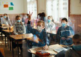 Fundația Globalworth și Narada au conectat 7.000 de copii și profesori la învățământul online