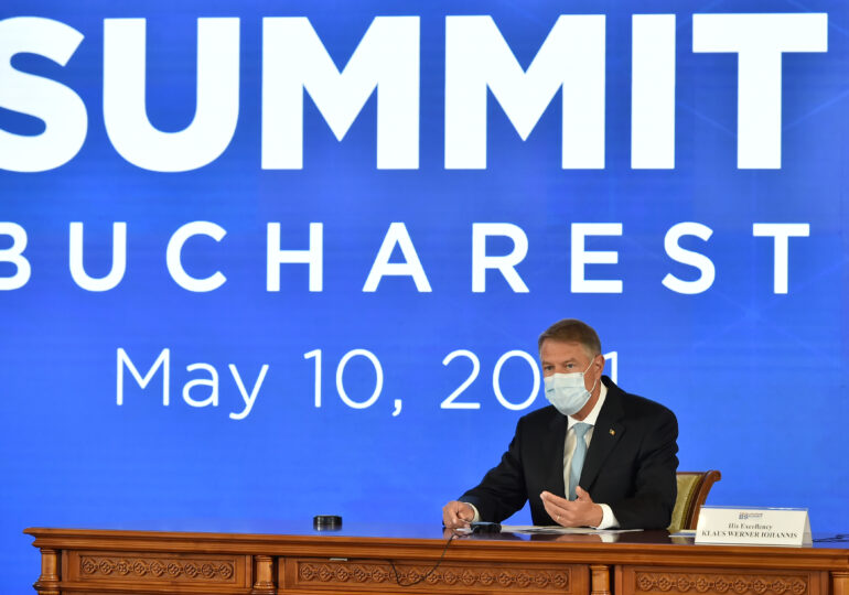 Iohannis vrea o creştere a prezenţei militare a NATO, inclusiv a SUA, în România