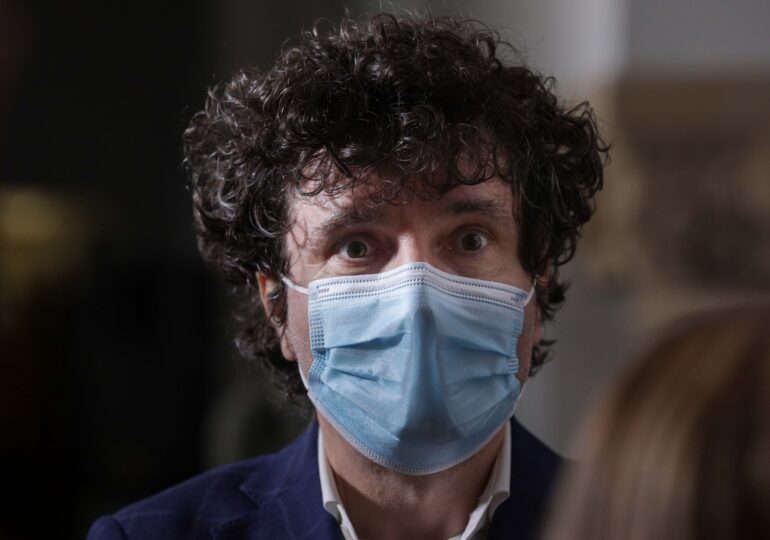 Nicușor Dan a depus plângere la DNA pentru un prejudiciu de milioane de euro la PMB: E de pe vremea Gabrielei Firea și are legătură cu cimitirele