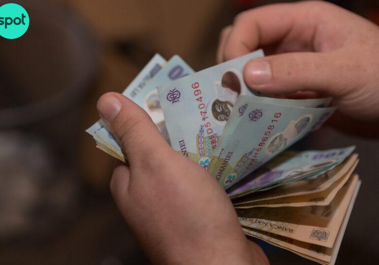 Bucureștenii plătesc lunar aproape 6,5 milioane de euro pentru salariile angajaților din cele 7 primării din Capitală. Unde se duc cei mai mulți bani