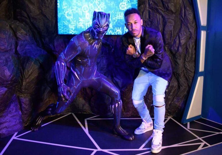 O statuie a supereroului Black Panther a fost expusă la Madame Tussauds, care se redeschide săptămâna viitoare