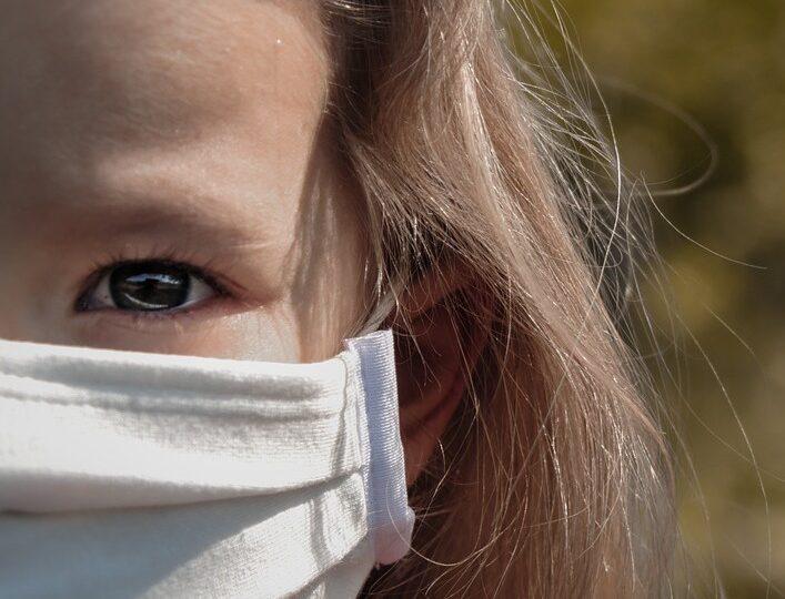 De ce durează atât de mult să avem un vaccin anti-covid și pentru copiii mici?
