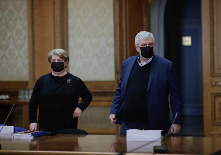 """Doina Gradea a fost demisă de la șefia TVR și Georgică Severin de la radioul public. PSD regretă doi """"oameni excepţionali"""""""