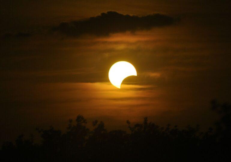 Eclipsă parţială de Soare pe 10 iunie. Va fi vizibilă și în România