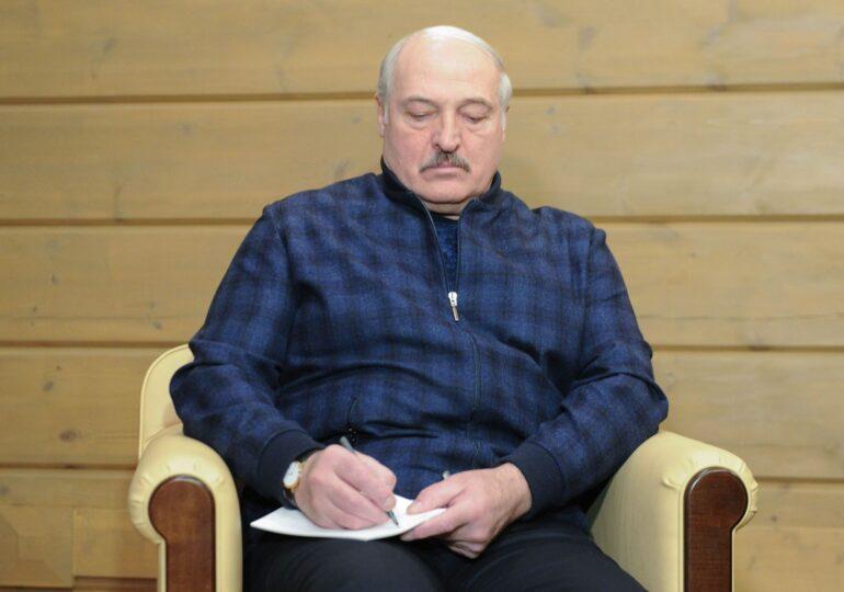 Un avion Ryanair în care se afla un critic al lui Lukașenko a fost forțat de un avion de luptă să aterizeze la Minsk