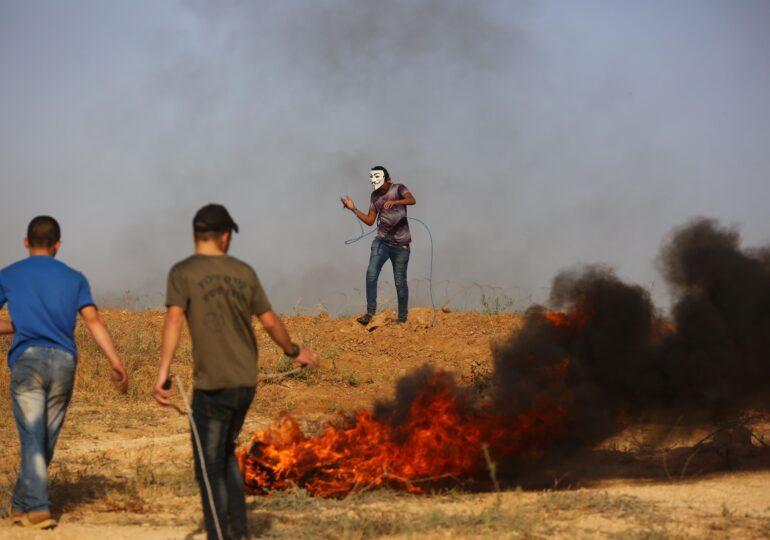 Zeci de rachete au fost lansate spre Israel. Ca răspuns, armata israeliană a atacat în Fâşia Gaza