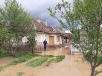 Inundaţiile din Satu Mare au fost cauzate de ploi cu maxime istorice: Au căzut 50 l/mp în două ore (Foto)