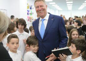 Amintiri din copilărie, cu președintele României: Poza cu Klaus Iohannis la 17 ani a devenit viral (Foto)