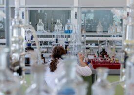 Aproximativ 60 de ţări cer OMC o renunţare mai largă la brevete, nu doar la cele pentru vaccinuri