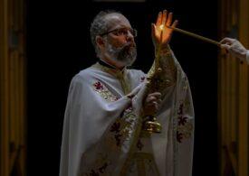 Lumina de la Ierusalim a fost adusă în România. Cum ajunge la biserici și ce restricții sunt în noaptea de Înviere
