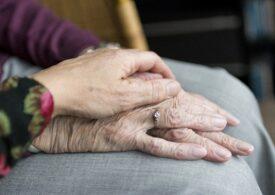 Pensionarii din România se simt excluși, pentru că n-au bani, nici prieteni și sunt bolnavi - studiu