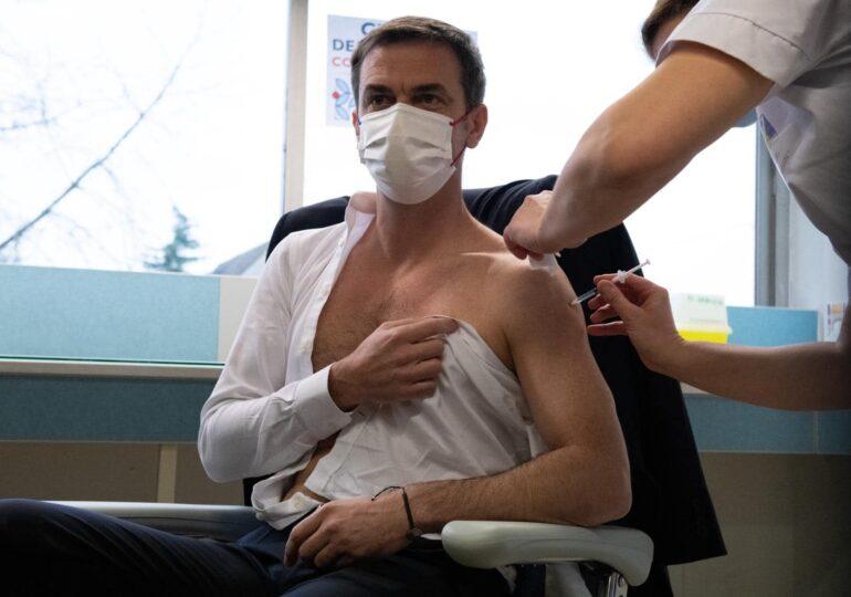 Ministrul francez al Sănătăţii a fost vaccinat cu Moderna la rapel, deși prima doză primită a fost de AstraZeneca