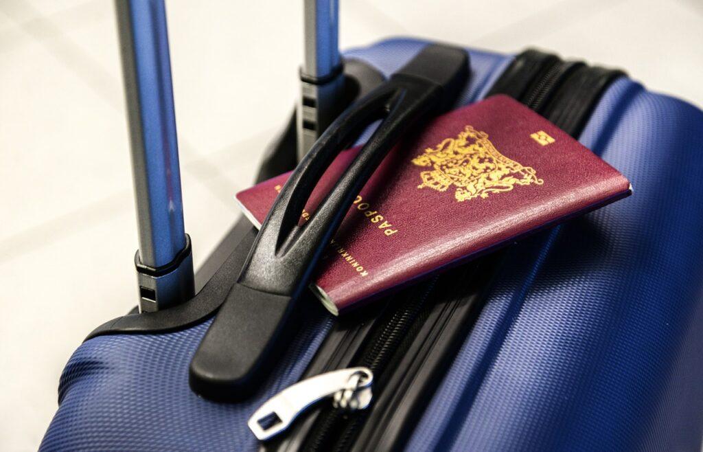 Vacanțele în străinătate se vor scumpi considerabil vara asta. Anunţul vine direct de la Booking.com