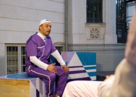"""Infinit pozitiv: O piesă de teatru despre fenomenul HIV în România care, """"din fericire"""", s-a născut în pandemie"""