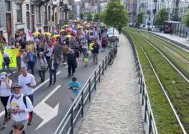 Câteva sute de persoane au protestat la Bruxelles față de restricțiile antiCovid