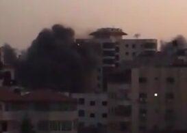 O clădire de 10 etaje din Gaza a fost distrusă într-un atac israelian. Hamas a răspuns cu o ploaie de rachete (Foto & Video)