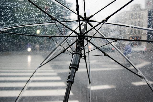 Meteo: 30 de grade şi furtuni