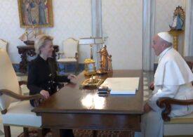 Prima întâlnire oficială între Papa Francisc și Ursula Von der Leyen: Șefa Comisiei Europene a fost primită la Vatican (Video)