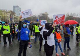 Sindicaliștii de la Cartel ALFA protestează, marți, la Cotroceni. Ce îi cer președintelui Iohannis
