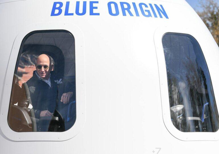 Jeff Bezos va ajunge în spaţiu, în luna iulie