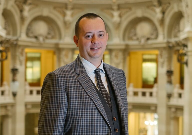 """""""Băncile trebuie să apeleze la concilierea cu clienții din proprie inițiativă. Să nu aștepte să fie rugate!"""" - Interviu cu Bogdan Neacșu, președintele CEC Bank"""