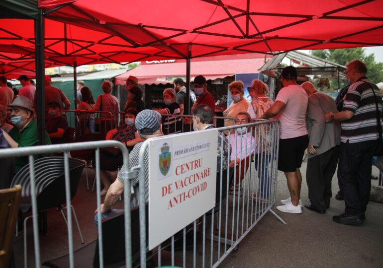 După succesul maratonului cu mici, azi se deschide un  centru fix de vaccinare în Piața Obor