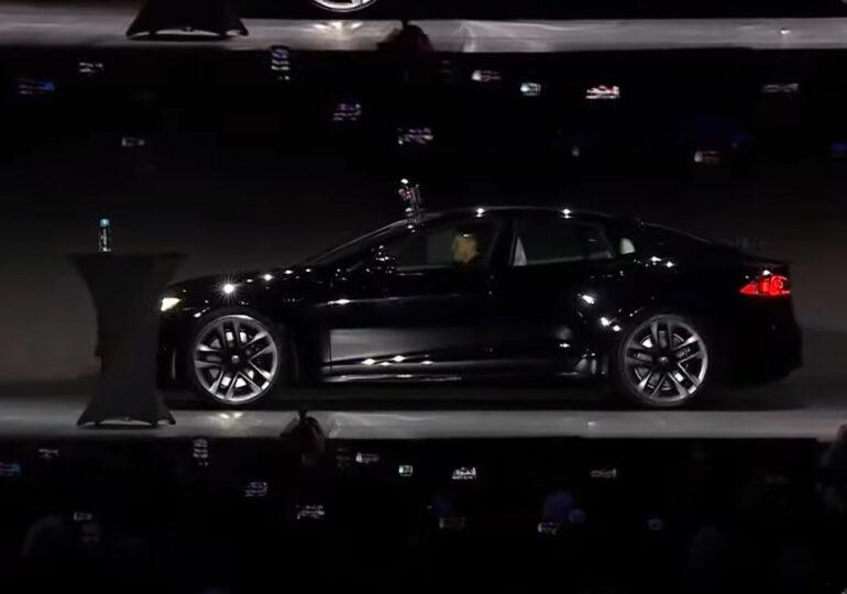 Tesla a prezentat cel mai rapid model de până acum al mărcii: Prinde 100 km/h în doar două secunde
