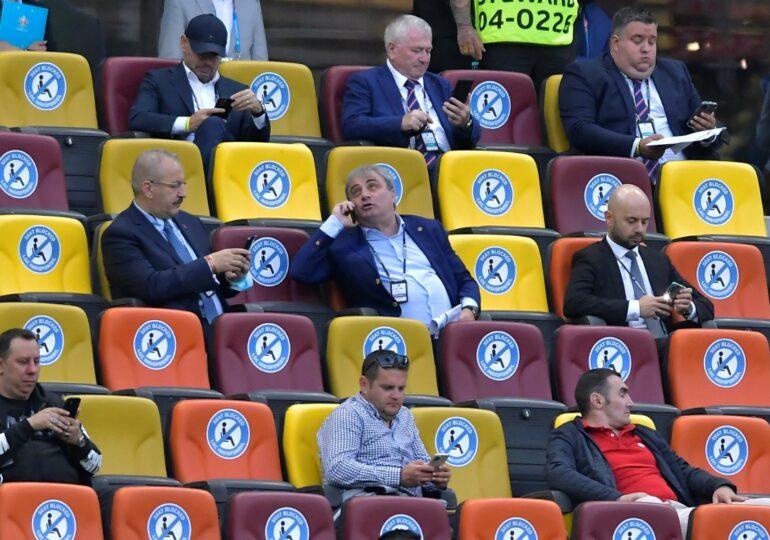 Controversă la EURO 2020: Politicienii au stat la VIP, Hagi și Popescu trimiși la tribuna a II-a