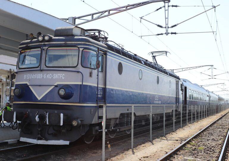 Liber cu trenul spre mare. Magistrala București - Constanța s-a deblocat