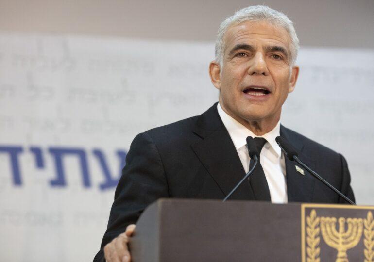 Israel: Liderul Opoziţiei a reușit să încheie în ultimul ceas un acord pentru un guvern fără Netanyahu