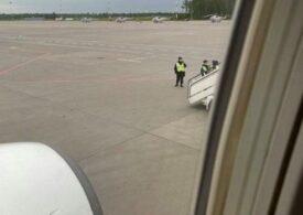 Un opozant al lui Putin a fost dat jos din avion și arestat pe aeroportul din Sankt Petersburg