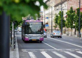Transportul public e gratuit vinerea, în Cluj. Orașul are cea mai mare concentrație de dioxid de azot din Europa