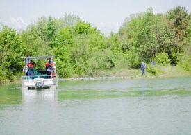 Prima ambarcaţiune 100% electrică, care va curăţa apele României de gunoaie, lansată la apă de Ziua Mediului (Video)